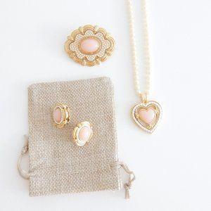 Vintage Avon 3 Piece Gold Tone Pearl Jewelry Set
